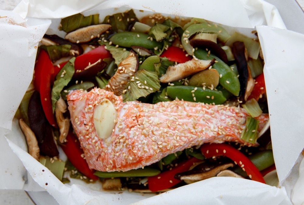 Check out this Fish in Parchment Paper video for more help with this ...
