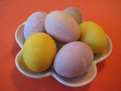 naturally-dyed-easter-eggs.jpg