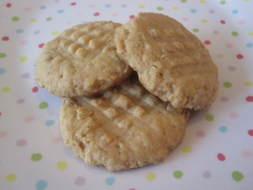 peanut-butter-oatmeal-cookies.jpg