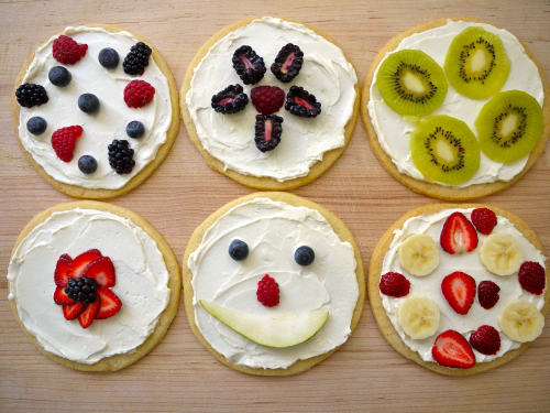 How to Make Sugar Cookie Pizzas Video   Weelicious