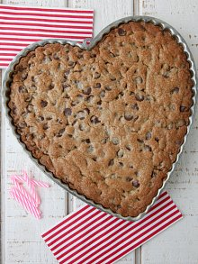 Chocolate Chip Heart Cookie