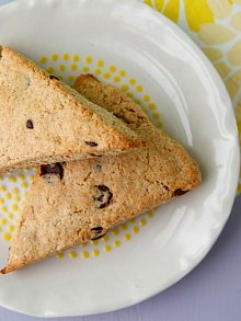 Whole Wheat Chocolate Chip Scones
