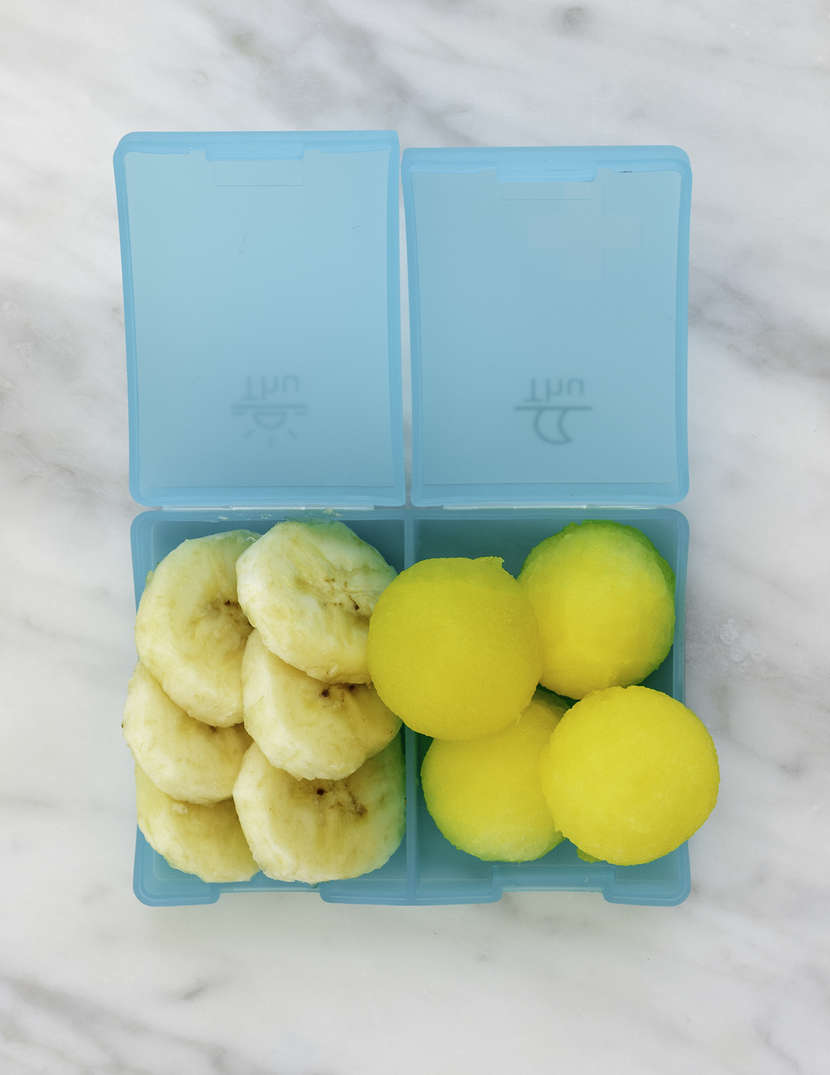 12 Essential Lunch Box Fruits from Weelicious.com