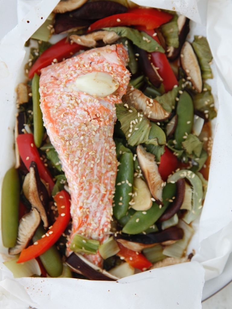 Fish in parchment paper weelicious for Fish in parchment recipes