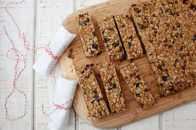Chocolate Chip Granola Bars from Weelicious