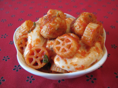 chicken-meatballs-with-mini-wheel-pasta.jpg