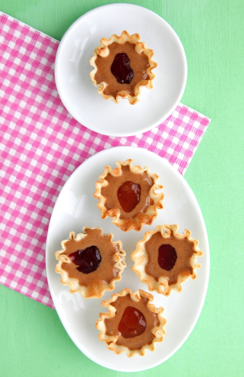 Mini PB&J Cups + 4 Things You Didn't Know about Milk from weelicious.com