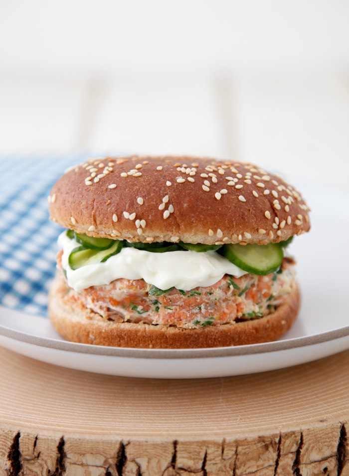 Family Favorite Salmon Burgers with Quick Pickled Cukes from weelicious.com